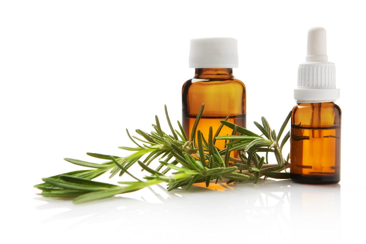 Los cabellos y el déficit de las vitaminas y los microelementos